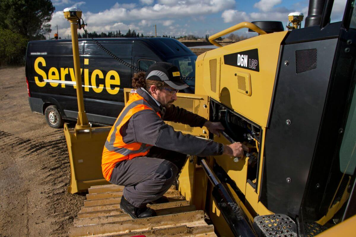 D6N Dozer Serviceability and Customer Support