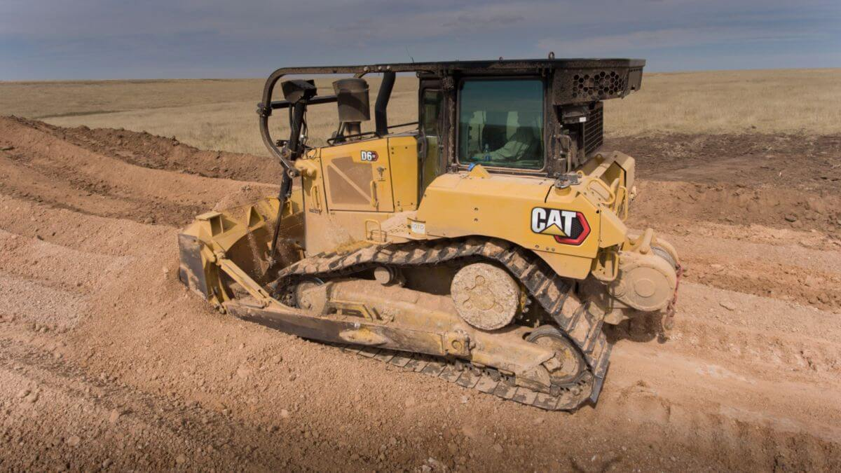 D6 XE Bulldozer with Electric Drive, Equipped with a Winch for Oil Field Work