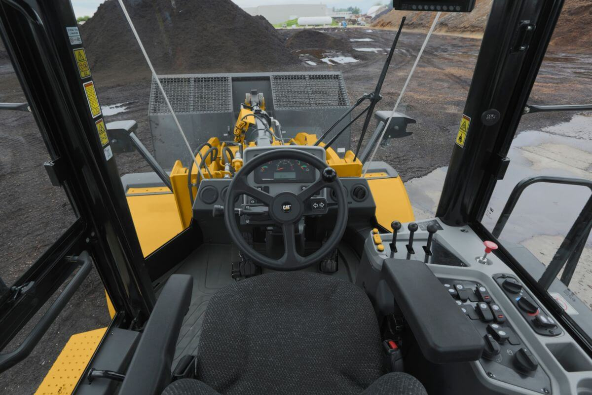 950 GC Medium Wheel Loader Ease of Operation