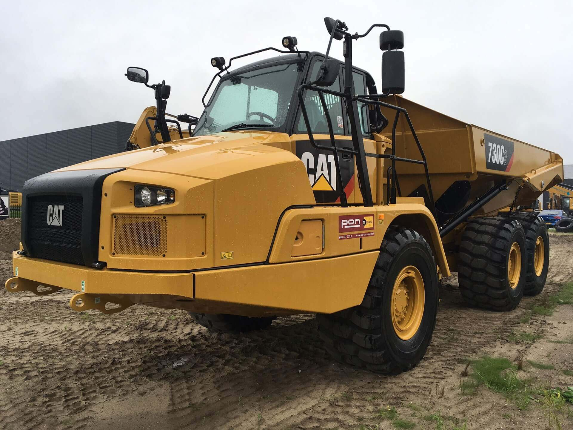Rental - Productgroep - Dumpers - Cat 730C2.JPG