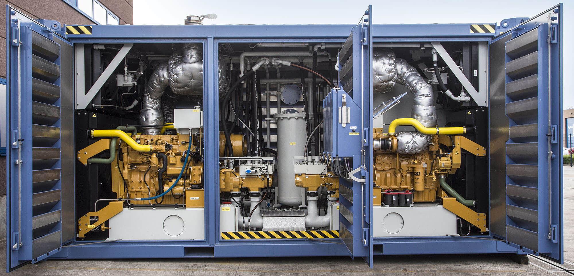 Industrial engines that satisfy the right emission